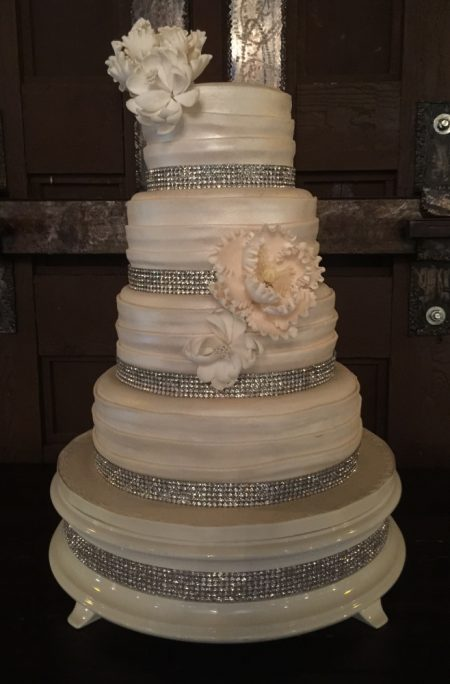 Beautiful Crystal Cake Wedding Decorations