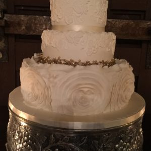 Beautiful Silver Cake Wedding Decorations, High End Wedding Venue