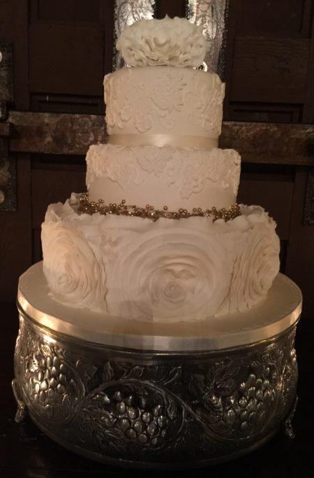 Beautiful Silver Cake Wedding Decorations, High End Wedding Venue
